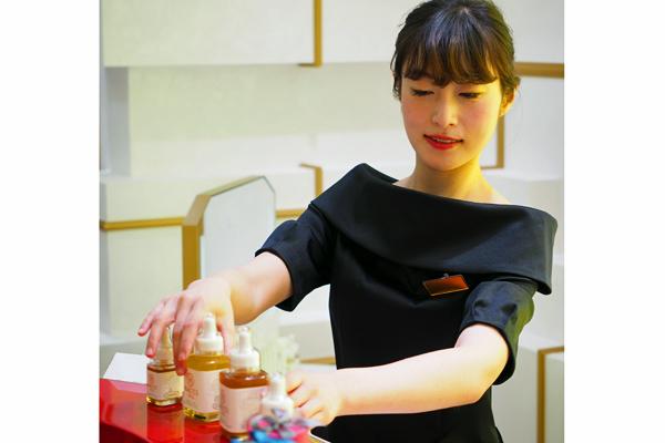 新宿・渋谷エリア 百貨店・商業施設美容部員・化粧品販売員正社員の求人のスタッフ写真9