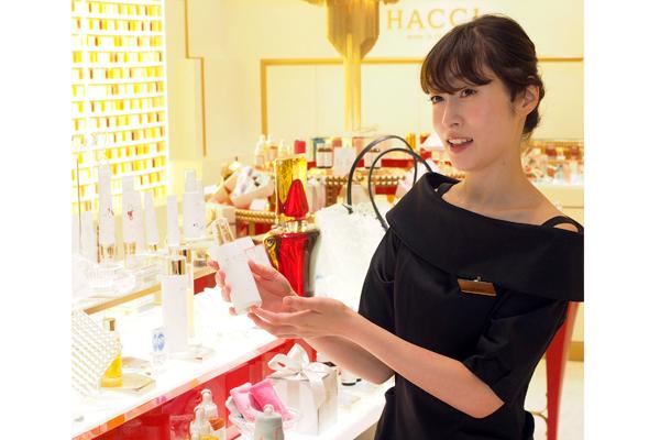 新宿・渋谷エリア 百貨店・商業施設美容部員・化粧品販売員正社員の求人のスタッフ写真8