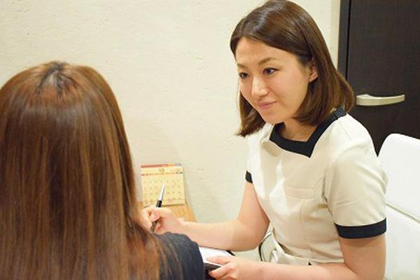 東京エリア 各クリニックメディカルカウンセラー・受付正社員の求人のスタッフ写真8