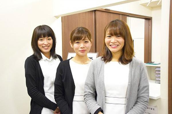 東京エリア 各クリニックメディカルカウンセラー・受付正社員の求人のスタッフ写真4