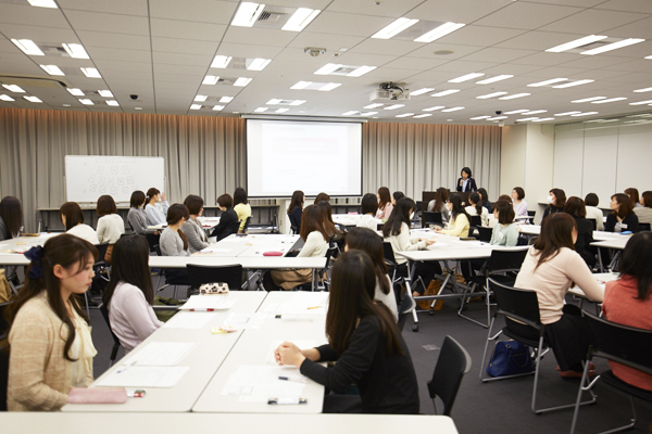 東京23区エリア一般事務・アシスタント正社員の求人のスタッフ写真8