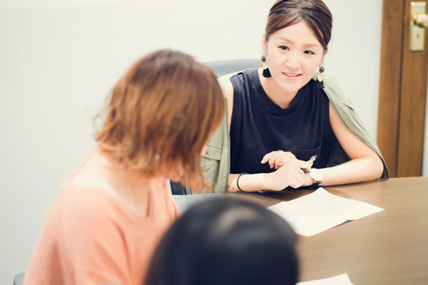 CALEIDO ET BICE(カレイドエビーチェ)渋谷ヒカリエShinQs(シンクス)店美容部員・化粧品販売員正社員,契約社員の求人のスタッフ写真2