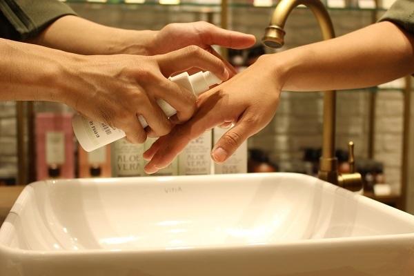 CALEIDO ET BICE(カレイドエビーチェ)渋谷ヒカリエShinQs(シンクス)店美容部員・化粧品販売員正社員,契約社員の求人のサービス・商品写真1