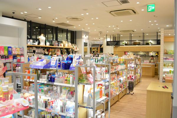 埼玉県エリア shop in美容部員・化粧品販売員契約社員の求人の店内写真1