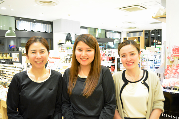 埼玉県エリア shop in美容部員・化粧品販売員契約社員の求人のスタッフ写真1