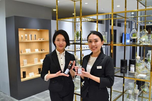 JYOICHI そごう横浜店美容部員・化粧品販売員(コンシェルジュ兼商品販売スタッフ)正社員/アルバイト・パートの求人の写真