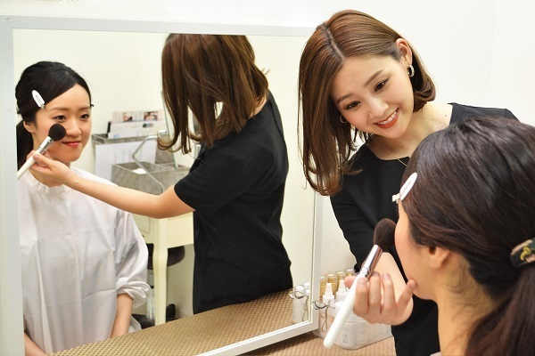 MAMEW 銀座トータルビューティー店美容部員・BA正社員,アルバイト・パートの求人のスタッフ写真2