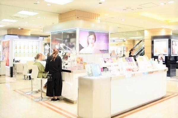 丸広百貨店 川越店美容部員・BA契約社員の求人の店内写真2