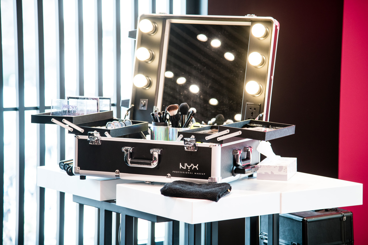 NYX Professional Makeup 池袋PARCO店美容部員・BA契約社員,正社員,アルバイト・パートの求人のサービス・商品写真2