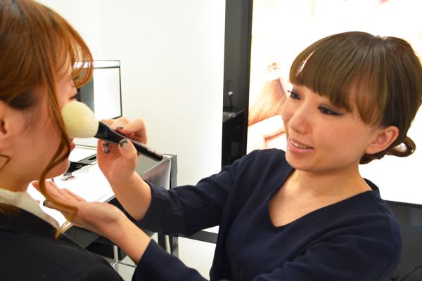 ジョルジオ アルマーニ ビューティー 伊勢丹新宿店美容部員・化粧品販売員(フェイスデザイナー)正社員/契約社員/アルバイト・パートの求人のスタッフ写真1