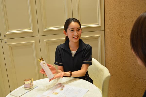 ノエビアスタイル銀座美容部員・化粧品販売員正社員の求人のスタッフ写真3