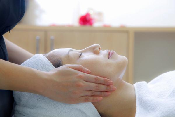 ノエビアスタイル銀座美容部員・化粧品販売員正社員の求人のサービス・商品写真2