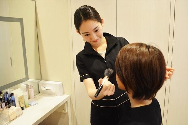 ノエビア サロン ド スペチアーレ 銀座美容部員・BA正社員の求人のスタッフ写真3