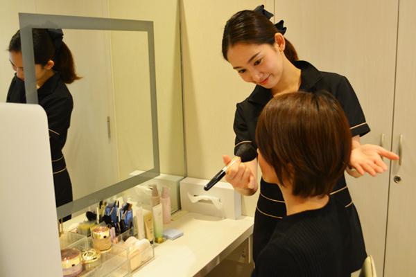 ノエビアスタイル銀座美容部員・化粧品販売員正社員の求人のスタッフ写真1