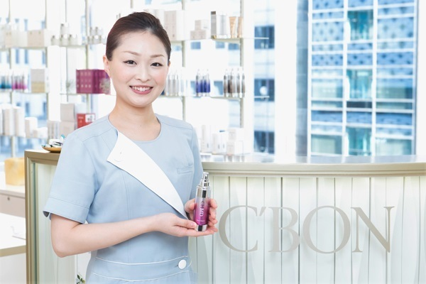 シーボン 新宿東口店美容部員・BA(フェイシャリスト/未経験大歓迎/ノルマなし/賞与年4回支給)正社員の求人のサービス・商品写真2