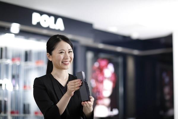 POLA 新潟伊勢丹店(2018年10月31日 NEW OPEN)美容部員・化粧品販売員(百貨店ビューティーコーディネーター)契約社員の求人のスタッフ写真1