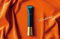 世界初、シワを改善する化粧品『リンクルショット』