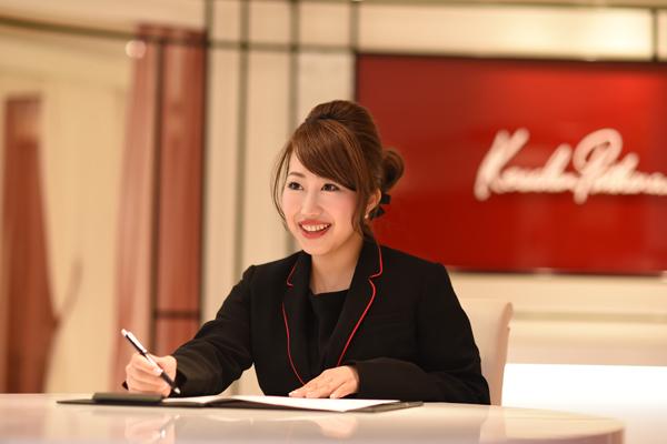 ケサランパサラン 東京エリア百貨店美容部員・化粧品販売員(アイラッシュデザイナー)正社員の求人のスタッフ写真4