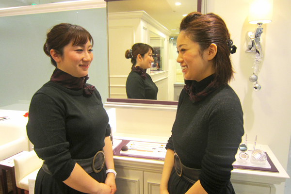 アナスタシア 東京エリアアイリスト(アイブロウスペシャリスト)正社員の求人のスタッフ写真4