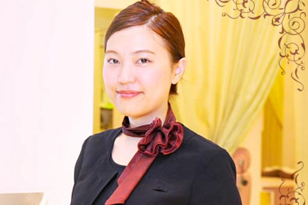 アナスタシア 東京エリアアイリスト(アイブロウスペシャリスト)正社員の求人のスタッフ写真1