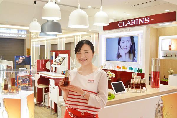 クラランス 渋谷PARCO ※11月NEW OPEN美容部員・BA(ビューティアドバイザー)契約社員の求人の写真