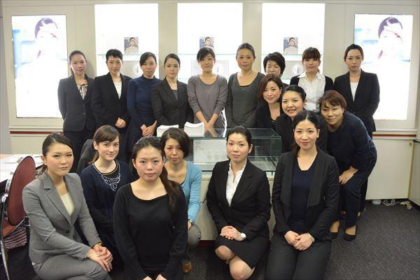 クラランス 東京エリア美容部員・化粧品販売員(ビューティアドバイザー)契約社員の求人のその他写真2