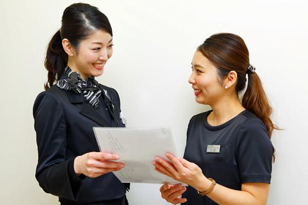 東京エリア @cosme store美容部員・化粧品販売員(リーダー候補・ビューティーカウンセラー)正社員の求人の写真