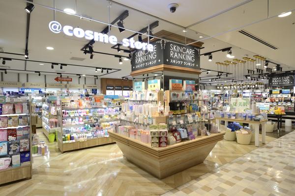 @cosme store 神戸マルイ店美容部員・化粧品販売員(ビューティーカウンセラー)正社員の求人の店内写真6
