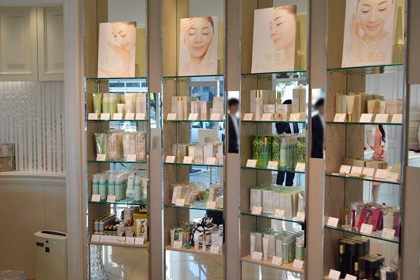 FTC AOYAMA(エフティーシー アオヤマ)美容部員・化粧品販売員(ビューティーコンシェルジュ)契約社員,正社員の求人の店内写真2