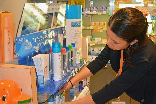 佐藤製薬 東京本社化粧品業界の営業・スーパーバイザー(ビューティスタッフ(トレーナー))契約社員の求人のスタッフ写真5