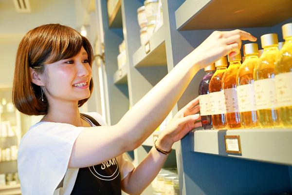 SABON 上野エリア(2017年11月NEW OPEN)美容部員・化粧品販売員(バス&ボディケアの販売)正社員,アルバイト・パートの求人のスタッフ写真2