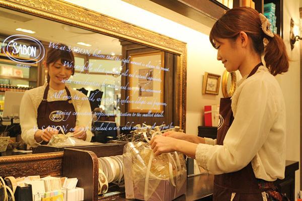 SABON GINZA SIX店美容部員・化粧品販売員(バス&ボディケアの販売)正社員,アルバイト・パートの求人のスタッフ写真1