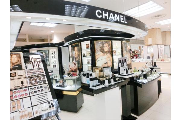 そごう 横浜店美容部員・BA(『シャネル』など化粧品カウンター ビューティーアドバイザー)契約社員の求人の店内写真1