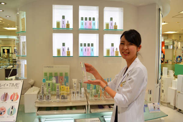 そごう 横浜店美容部員・化粧品販売員(『シャネル』など化粧品カウンター ビューティーアドバイザー)契約社員の求人のスタッフ写真7