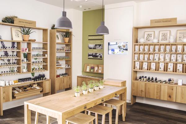 NEAL'S YARD REMEDIES 東京エリアの各店舗美容部員・化粧品販売員(店長候補・ショップスタッフ)正社員,契約社員の求人の店内写真2