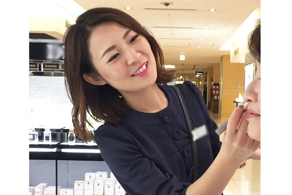 イセタン ミラー メイク&コスメティクス ルミネ新宿店 ルミネ2店美容部員・化粧品販売員(ビューティーカウンセラー)契約社員の求人のスタッフ写真4