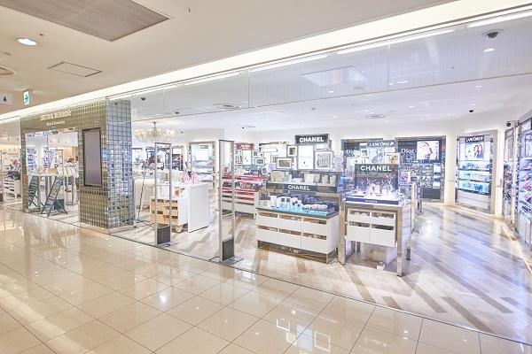イセタン ミラー メイク&コスメティクス ルミネ新宿店美容部員・BA(ビューティーカウンセラー)正社員の求人の店内写真4