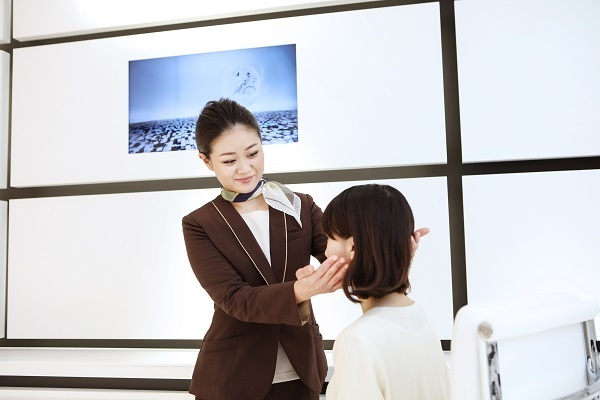 パーフェクトワン 京王新宿店美容部員・BA正社員,契約社員の求人のスタッフ写真1