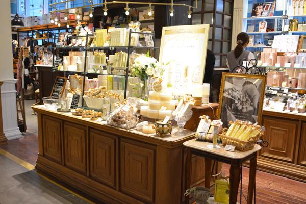 Terracuore(テラクオーレ) 横浜ジョイナス店(2月16日 NEW OPEN)美容部員・化粧品販売員正社員,アルバイト・パートの求人の店内写真2
