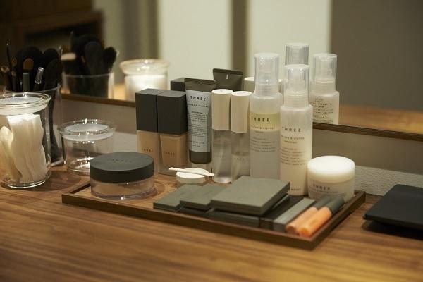 THREE AOYAMA美容部員・化粧品販売員(セラピスト)契約社員の求人のサービス・商品写真7