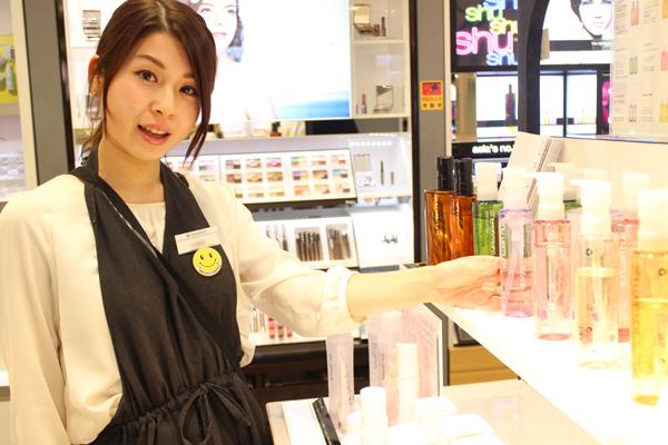 フルーツギャザリング 新静岡セノバ店美容部員・化粧品販売員(販売スタッフ)契約社員,アルバイト・パートの求人のスタッフ写真5
