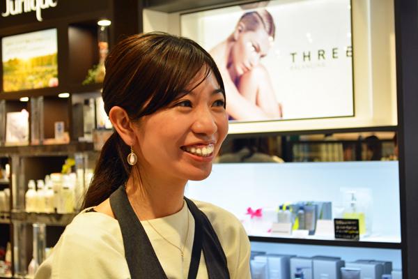 フルーツギャザリング シャポー船橋店美容部員・化粧品販売員(『フルーツギャザリング』販売スタッフ)契約社員の求人のスタッフ写真1