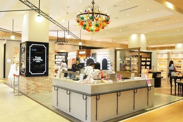 フルーツギャザリング 姫路店 ※2019年9月NEW OPEN美容部員・BA(販売スタッフ)契約社員の求人の店内写真6