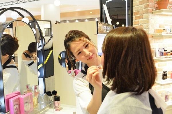 フルーツギャザリング 金沢百番街Rinto店美容部員・BA(販売スタッフ)契約社員の求人の写真