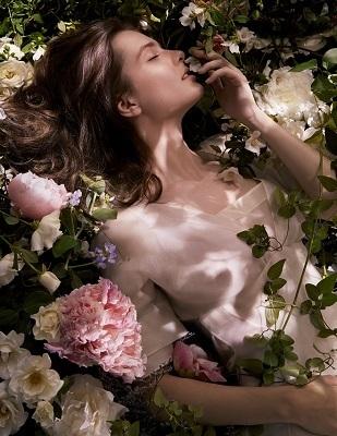 Flora Notis JILL STUART 渋谷ヒカリエShinQs店美容部員・化粧品販売員(ショップ運営責任者・サブ責任者・スタッフ)契約社員の求人のその他写真1