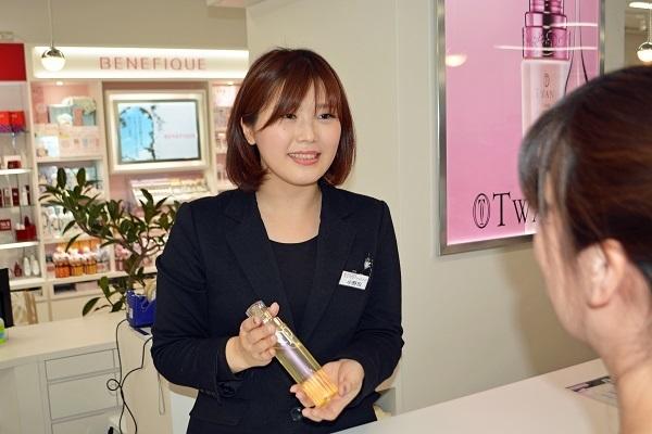 アルビオンドレッサー恵比寿店美容部員・化粧品販売員(美容コンシェルジュ)正社員,アルバイト・パートの求人のスタッフ写真3