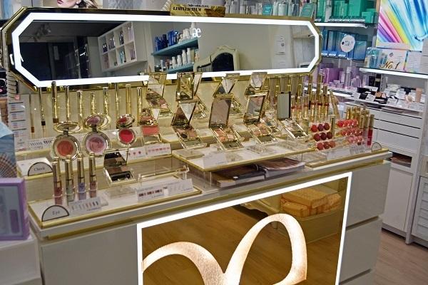アルビオンドレッサー恵比寿店美容部員・化粧品販売員(美容コンシェルジュ)正社員,アルバイト・パートの求人の店内写真4