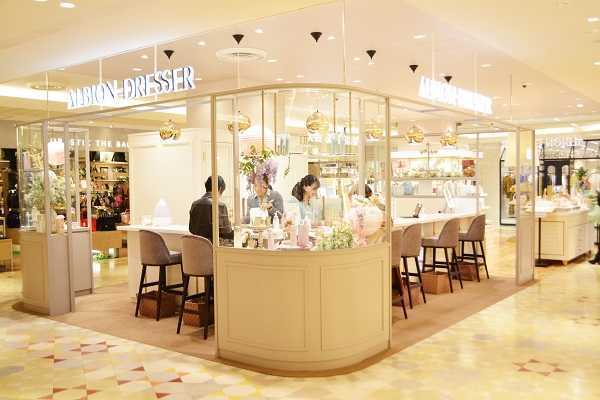 アルビオンドレッサー恵比寿店美容部員・BA(美容コンシェルジュ)正社員の求人の写真