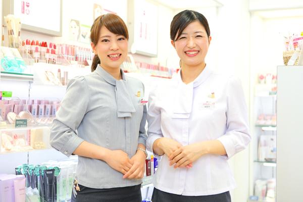 小田急新宿店美容部員・化粧品販売員正社員/アルバイト・パートの求人のスタッフ写真1