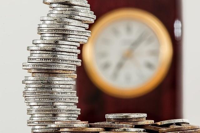 ウェディングプランナーの給料(年収)ってどれくらいもらえるの?キャリアップについても詳しく知りたい!